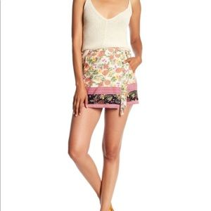 New! ANGIE Printed Wrap Tie Shorts Floral Small